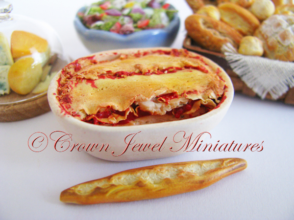 Crown Jewel Miniatures Lasagne & Italian Bread