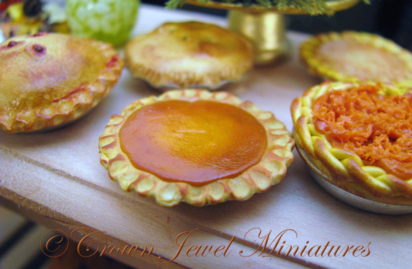 Crown Jewel Miniatures Pumpkin Pie
