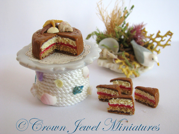Crown Jewel Miniatures Beach Cake